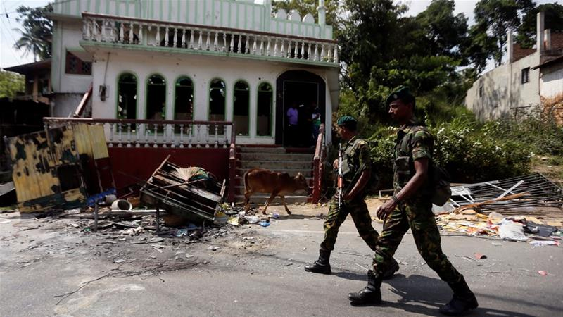 Sri Lanka 'on the brink' amid fresh anti-Muslim violence