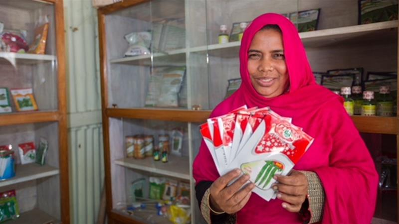 In Bangladesh, Jahanara Begum managed to bridge the gender pay gap by developing her own seed-selling business [iDE/PROOFS]