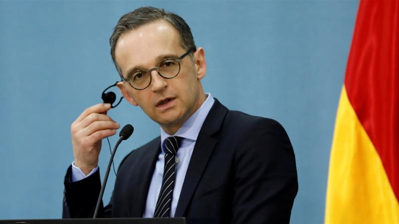 German Foreign Minister Heiko Maas listens during a news conference with Palestinian Foreign Minister Riyad Al Maliki in Ramallah, in the occupied West Bank March 26, 2018 [Photo/Mohamad Torokman/Reuters]