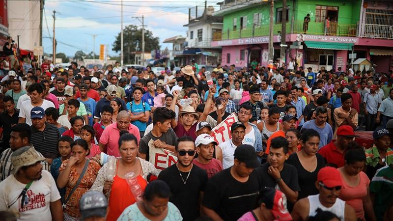 Central Americans vow to continue as Mexico disperses 'caravan'
