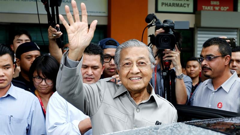 The de-registration decision is a major blow for Mahathir, a former PM himself [Lai Seng Sin/Reuters]
