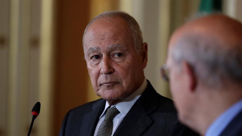 Arab League Secretary-General Ahmed Aboul Gheit (L) invited Qatar to the summit in Riyadh [Rafael Marchante/Reuters]