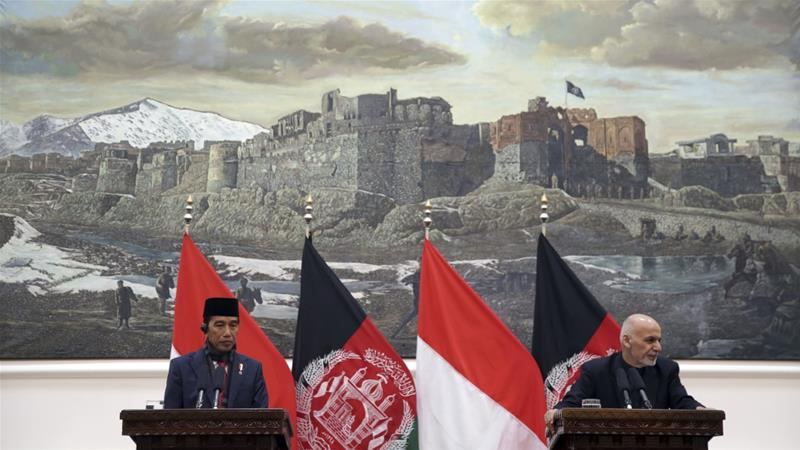 Scholars hope the move could persuade Taliban to the negotiating table [Massoud Hossaini/Pool/AP Photo]