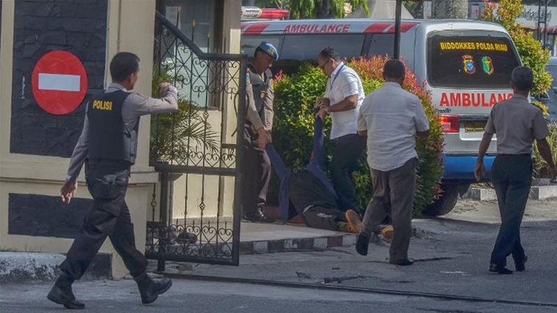 Militant shot dead in attack on police headquarters  in Indonesia's Riau province