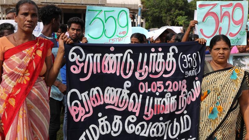 Displaced Sri Lankans defy military to reclaim homeland