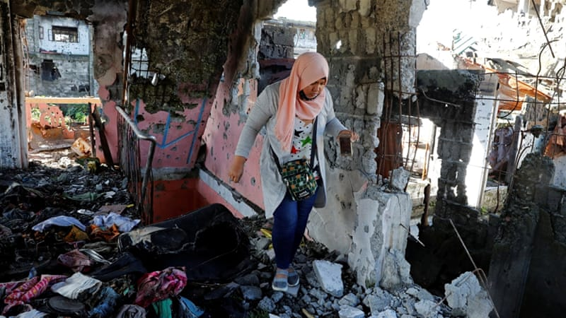 Marawi: Philippine city still left in ruins a year after siege