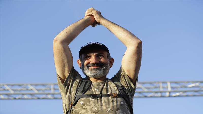 U.S. rock musician Serj Tankian arrives in Yerevan to support Armenian opposition