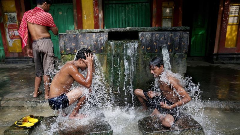 About 40 percent of the population will have no access to clean drinking water by 2030, a study says [Piyal Adhikary/EPA]