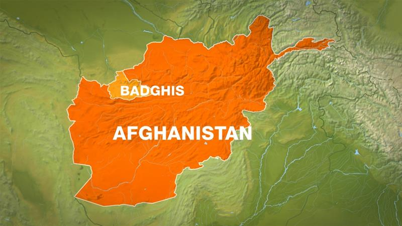 Hundreds of Taliban fighters storm check posts in Afghan border region