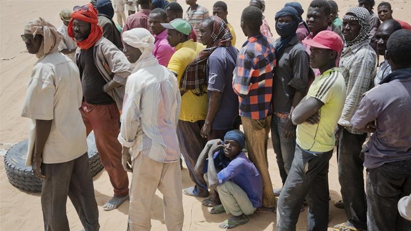 Camina o muere: Argelia abandona a 13,000 refugiados en el Sahara