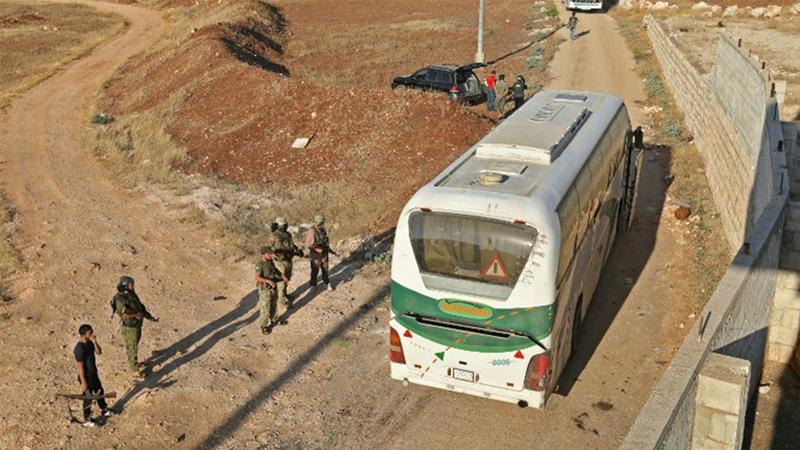 Syria: Buses arrive to evacuate two rebel-besieged Shia towns