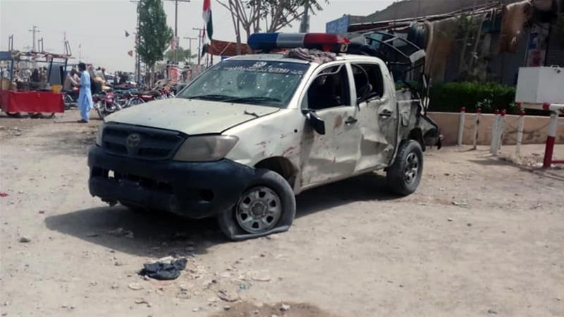 The blast appeared to target a police convoy [Saadullah Akhtar/Al Jazeera]