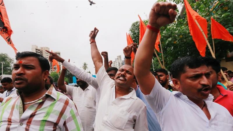 The Maratha community are demanding for reserved quotas in government jobs and college places for students in Mumbai [Reuters]