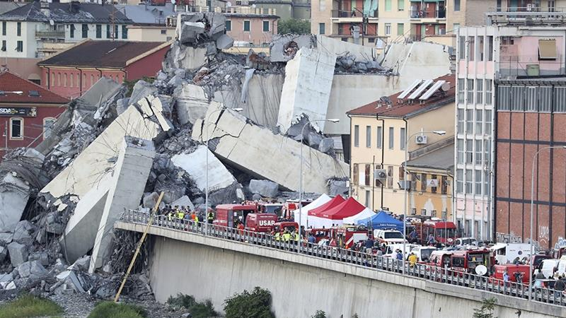 Before and after photos of Genoa bridge collapse