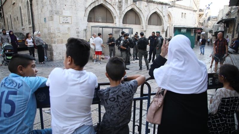 Israeli forces closed off Al-Aqsa Mosque compound after killing a Palestinian man for an attempted stabbing attack on police [Anadolu]