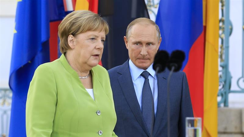 Merkel said she and Putin would discuss the prospects of a UN peacekeeping mission in eastern Ukraine [Abdulhamid Hosbas/Anadolu]