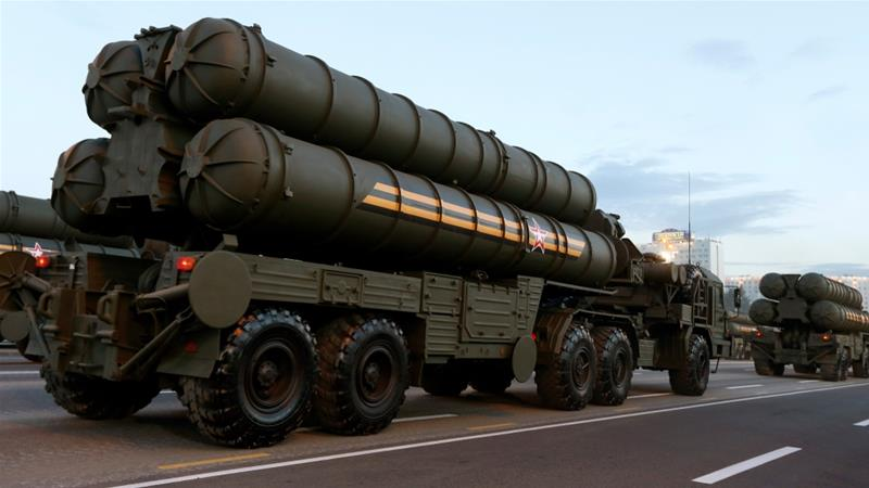 The Russian S-400 missile system India is planning to buy is considered one of the best in existence [Vasily Fedosenko/Reuters]