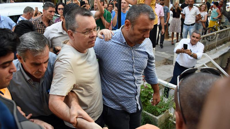 Turkey vows to hit back against sanctions over preacher's arrest