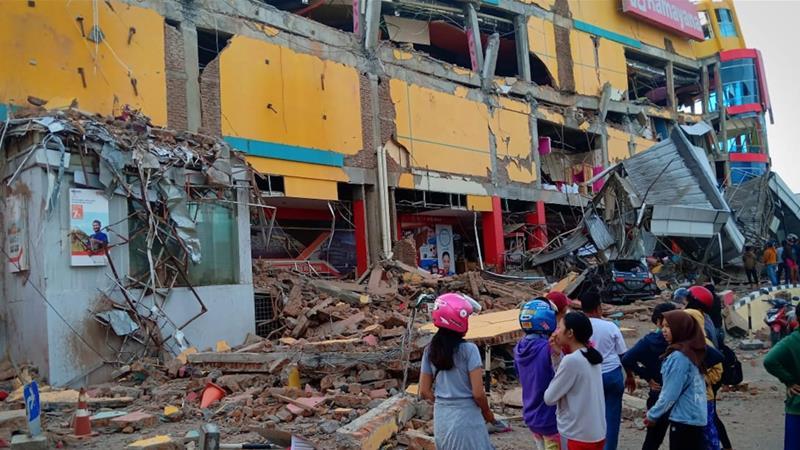 Hundreds dead as quake, tsunami hit Indonesia's Sulawesi