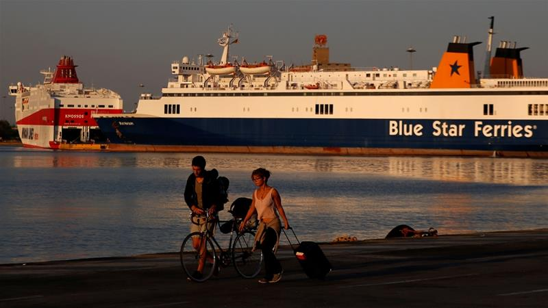 Greece: Travellers stranded as ferry crew strike over pay
