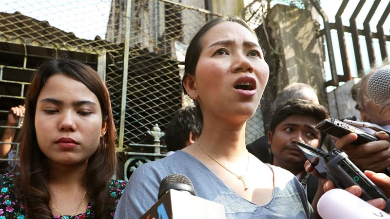 Pan Ei Mon (L) and Chit Su Win, wives of jailed Reuters reporters Wa Lone and Kyaw Soe Oo, after their appeal was rejected [Ann Wang/Reuters]