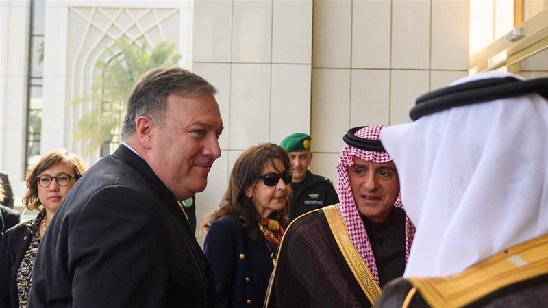 Pompeo (L) was received by Saudi Minister of State for Foreign Affairs Adel al-Jubeir in Riyadh [Reuters]