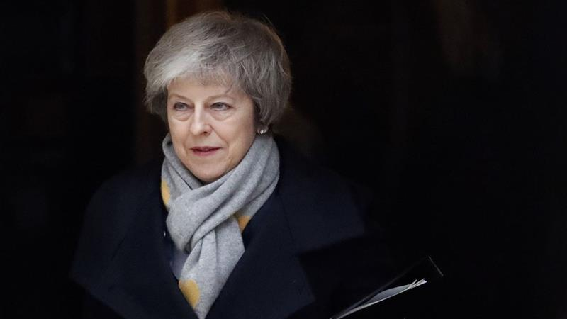 Cornered Theresa May faces no-confidence vote over Brexit