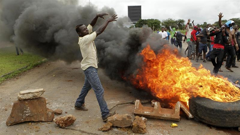 Despite crackdown, Zimbabwe fuel protests continue