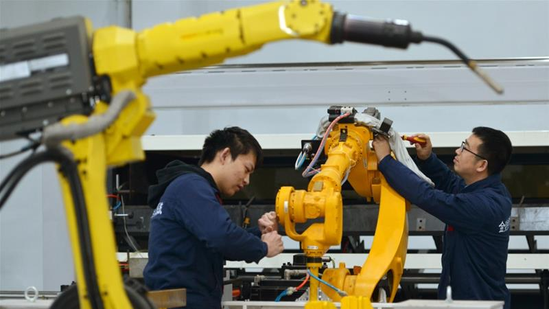 China's economic growth slowest since 1990 amid trade war with US