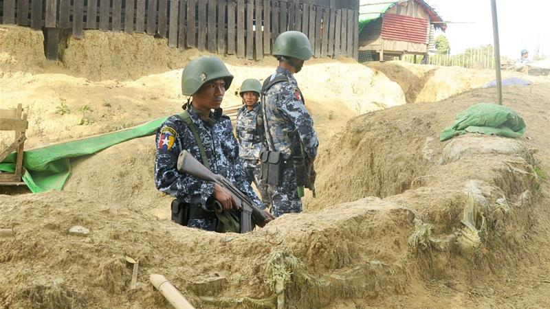 Myanmar border police stand guard in Buthidaung, Rakhine [File: Reuters]