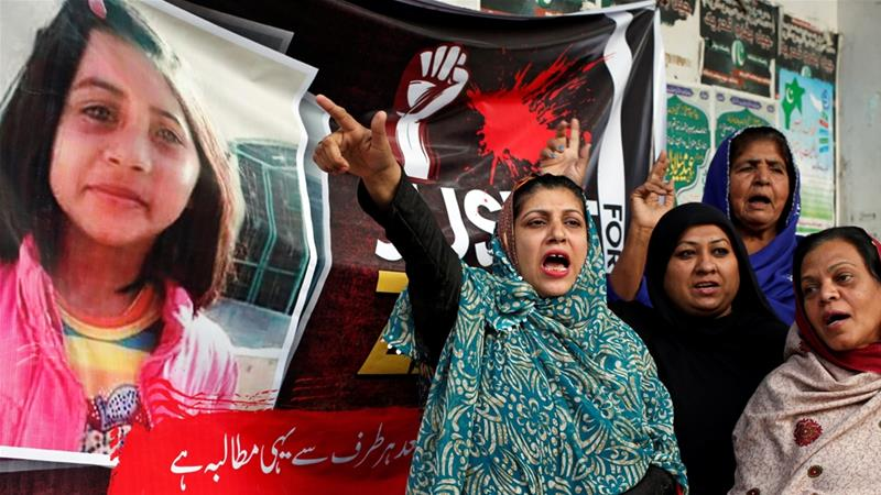 People chant slogans to condemn the rape and killing of six-year-old girl Zainab Ansari in Kasur, during a protest in Karachi, Pakistan [File: Akhtar Soomro/Reuters]