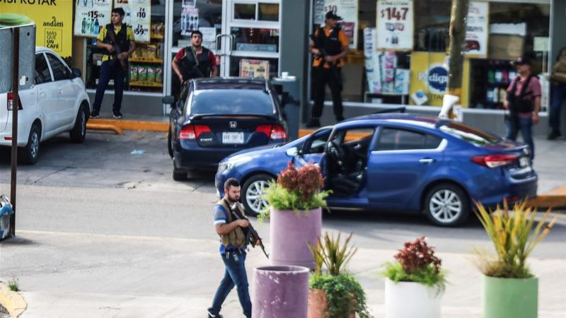 4 dead in shooting steps from Mexican presidential residence