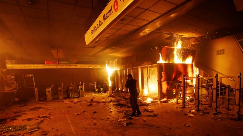 Chile protests: Five dead after looters set fire to factory