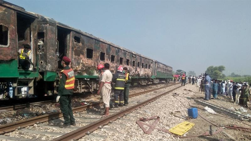 27 killed as fire breaks out in train in Pakistan