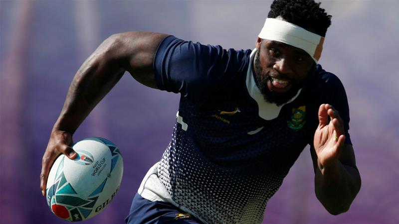 Rugby Siya Kolisi is hoping to secure South Africa's third world title [Edgar Su/Reuters]