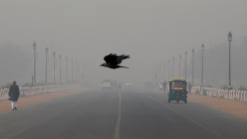 The air quality index on Thursday was at a staggering 472 on a scale of 500, indicating possible serious respiratory risks for the general public, according to a government pollution monitor [Anushree Fadnavis/Reuters]