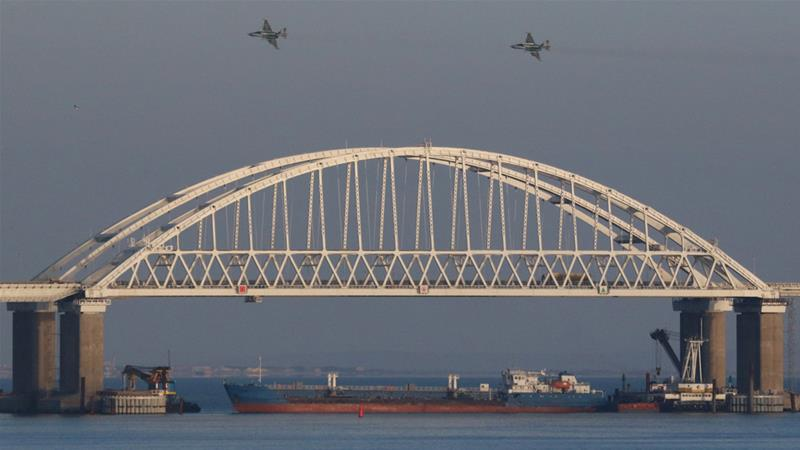 Russian Federation begins moving captured Ukrainian ships