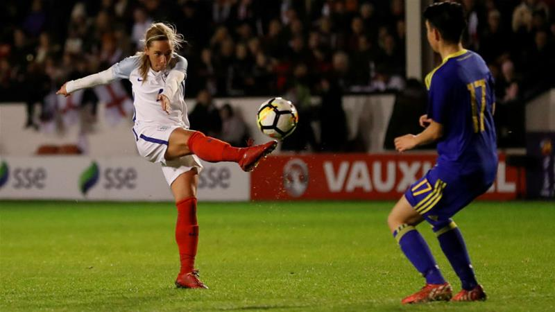 England's Jordan Nobbs, left, said she wanted England to follow the examples of other nations including Australia and Norway [Action Images/Andrew Boyers/Reuters]