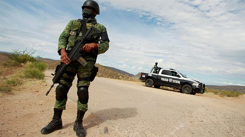 10 suspected cartel members, 4 police killed in shootout in northern Mexico