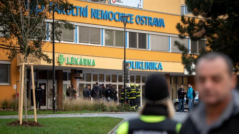 Gunman kills six in Czech hospital waiting room, shoots self