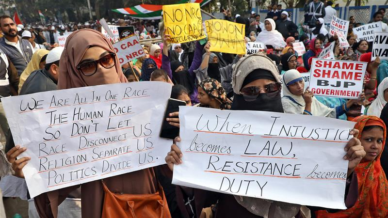 Indian women in Kolkata protest against a new citizenship law [Reuters]