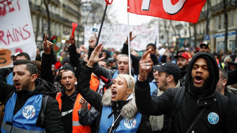 Mayhem in Paris as protesters clash with police