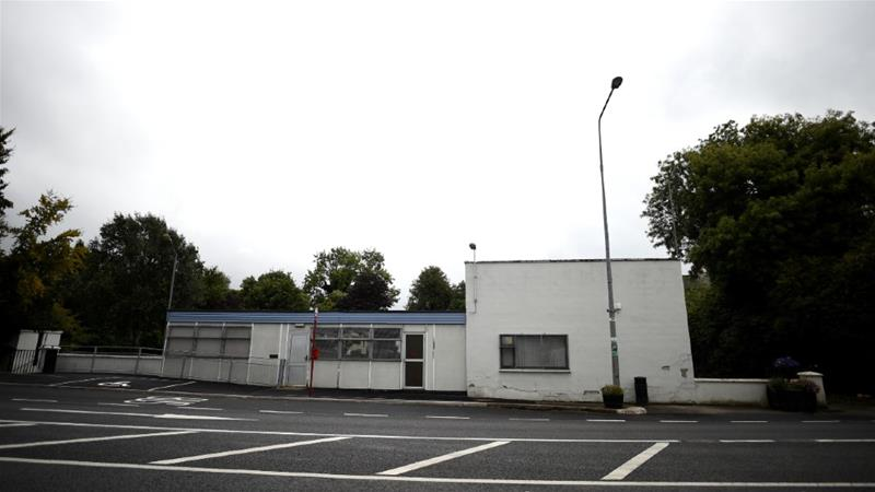 The former customs post which regulated border traffic between the towns of Strabane in Northern Ireland and Lifford in Ireland is the sort of place experts fear could be a target if a border is reimposed [Clodagh Kilcoyne/Reuters]