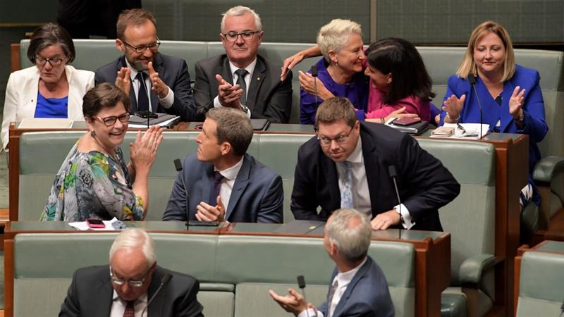 Sparking applause and cheers from observers in the parliamentary viewing gallery, this is the first government since 1929 to lose a substantive vote on the floor of the House [Tracey Nearmy/Getty Images]