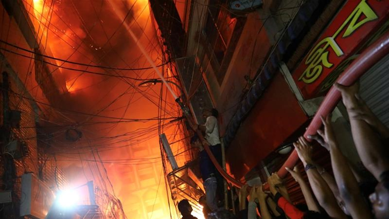 Bangladesh fire: Blaze kills dozens in Dhaka historic district