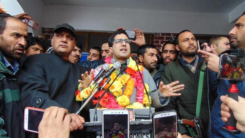 Shah Faesal held his first public rally in his hometown, Kupwara [Sameer Mushtaq/Al Jazeera]