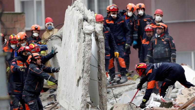 Building collapse in Istanbul: death toll rises to 16 Turkey 09:53