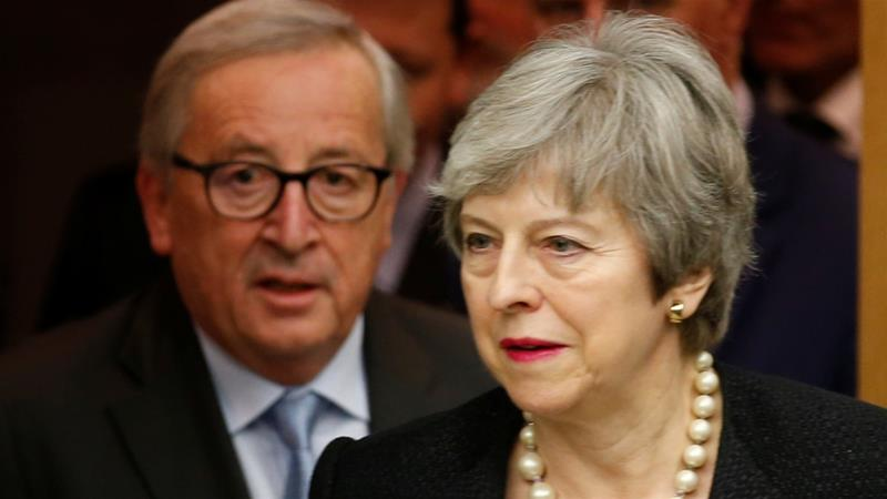 British Prime Minister Theresa May and European Commission President Jean-Claude Juncker arrive for a news conference in Strasbourg, France, March 11, 2019 [Vincent Kessler/Reuters]