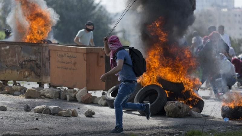 Israeli army: 2 Palestinians killed in clashes with troops