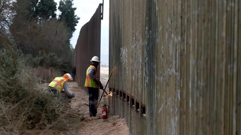 Pentagon notifies Congress $1 billion authorized to begin new wall construction